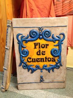 una flor de cuentos...   by Biblioteca Municipal Valdepeñas