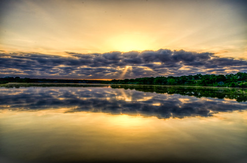 morning clouds sunrise golden texas texashillcountry