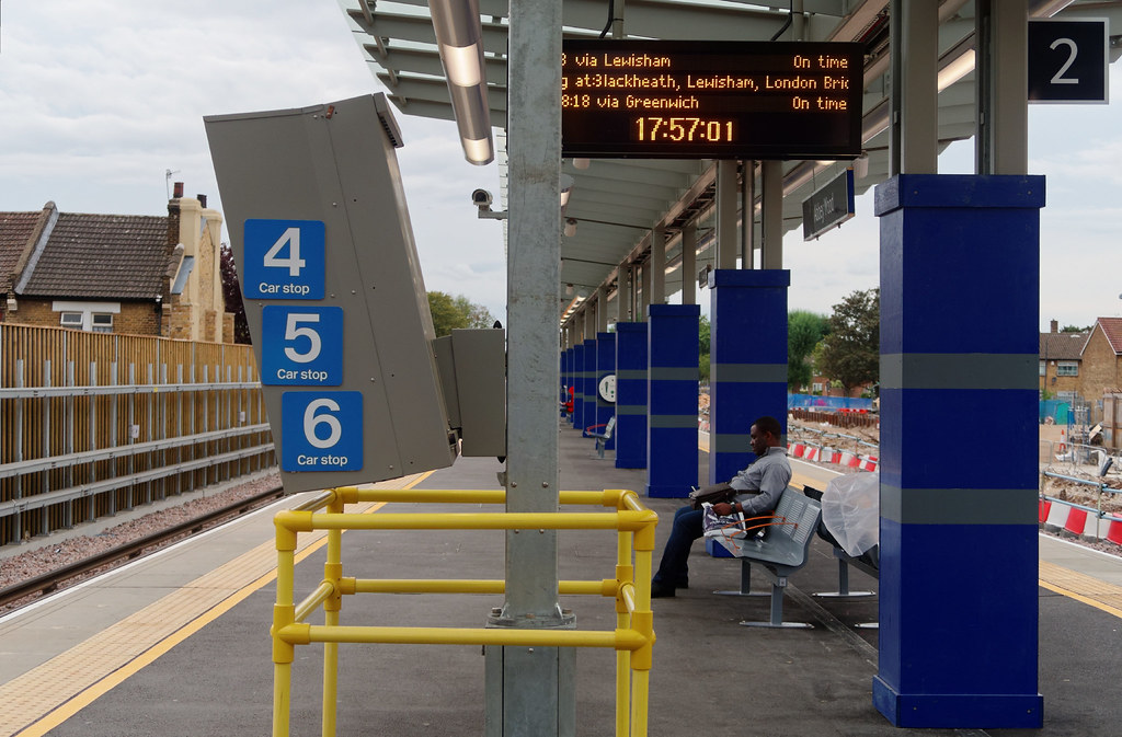 New 4 5 6 Car Stop About A Third Of The Way Along Platform