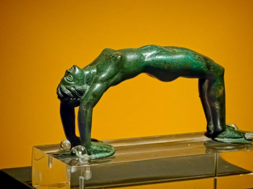 Acrobat nude Nude Photos