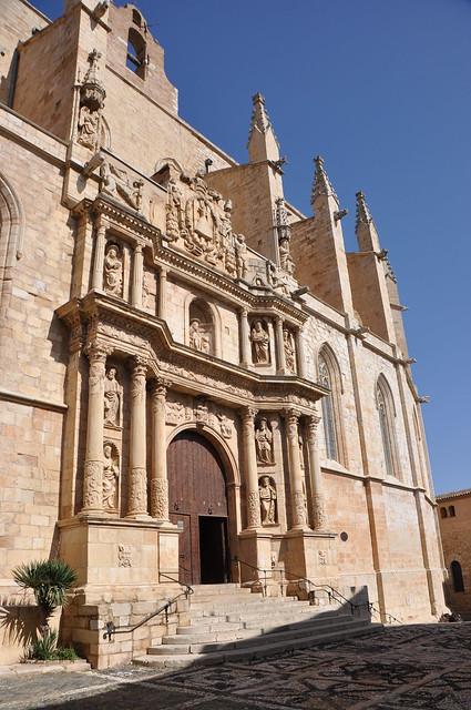 Montblanc, portada de l'església de Santa Maria