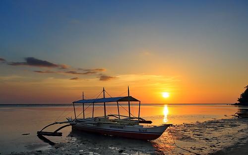 sunset beach boat sonnenuntergang artistic philippines diving resort pump visayas negros philippinen occidental bangka sipalay