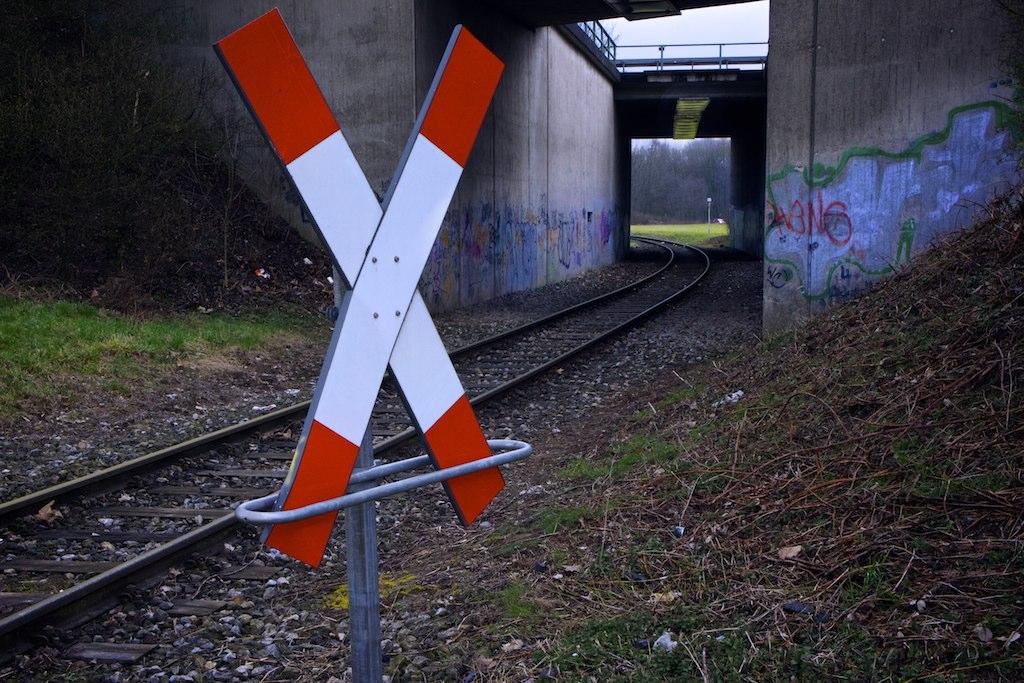 Foreground Middleground Background tracks | TillmannK92 | Flickr