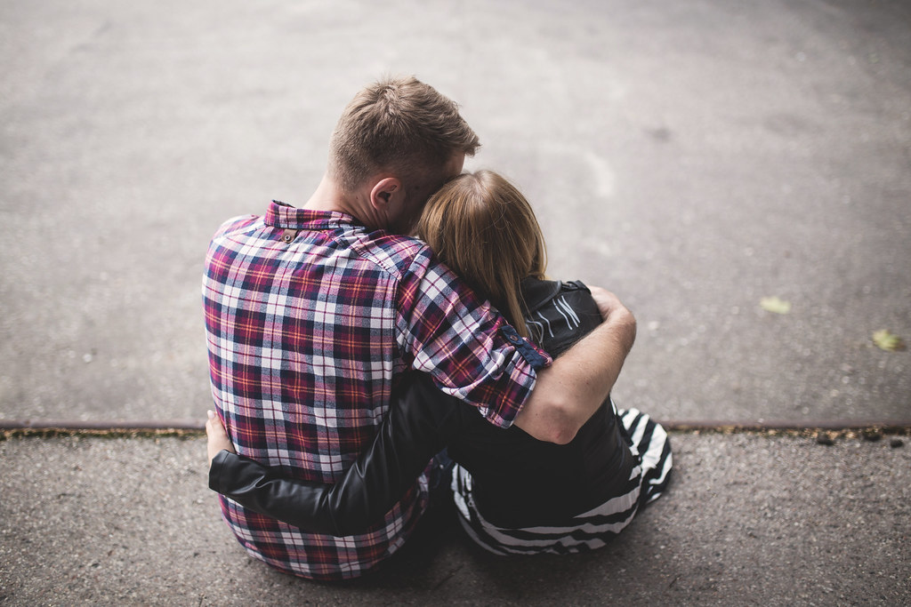 15 Types Of Hugs Women Give And Their Hidden Meanings