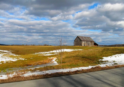 barn vermont slateroof orwell sky field cloudy day pwwinter vista panorama landscape slate geotagged flickrgeotaggers innatelmwood