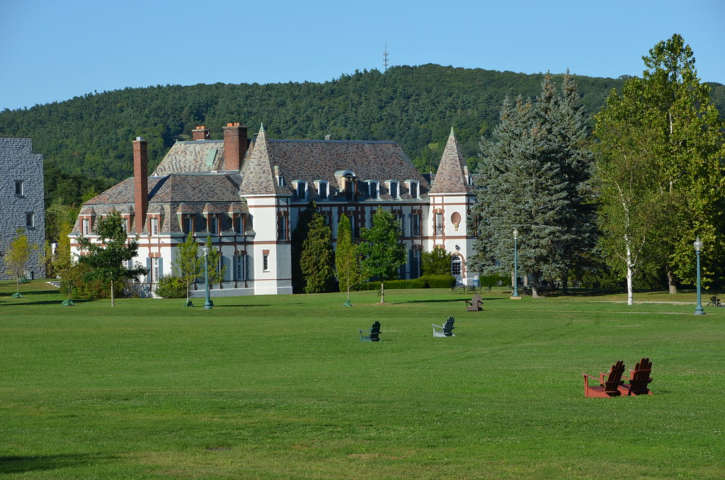 Across the quad to Le Chateau   Middlebury College, Middlebu…   Flickr