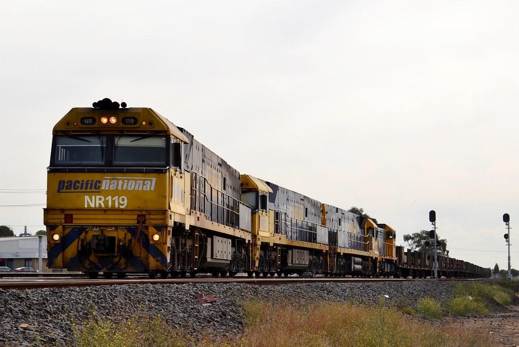 NR119-NR51-NR9-T371 3PW4 Steel @ North Geelong by LOCOPOWER
