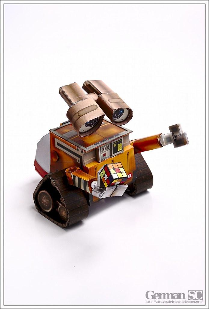 Wall-E Papercraft | | Website | Twitter | 500px | G+