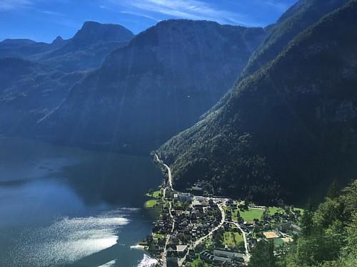 #hallstatt #sky #lake #travel #tourism #austria #österreich #mountains #landscape #sunlight | by stacy2005ua