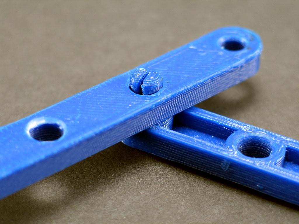 Snap-Fit Pivot Assembled | 3D-printed snap-fit pivot design