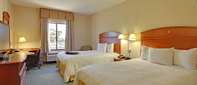 Hampton Inn Sherman Oaks Rooms & Suites