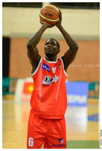 Yann Zonnet ESC Trappes-SQY Basket vs Caen