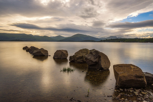 uk sunset lake landscape scotland rocks unitedkingdom gb loch lochlomond trossachsnationalpark