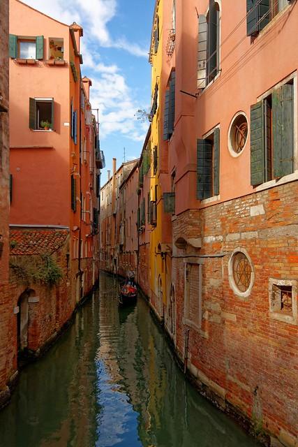 Venice : Rio dei S.S. Apostoli