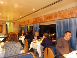 Vagón restaurante en el tren nocturno que nos llevó desde Madrid hasta el valle del Loira (Francia)