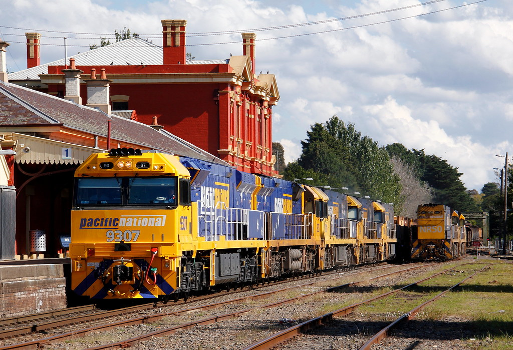 7 GE's at Moss Vale! by Robert Cook