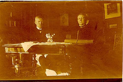 Vidkun Quisling og hans mor Anna Caroline Quisling (født Bang), ca. 1910-1915.