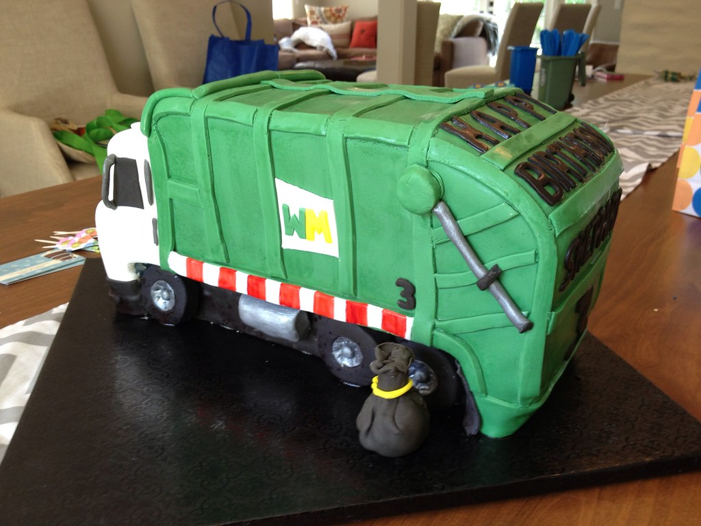 Superb Garbage Truck Birthday Cake I Was Asked To Make A Garbage Flickr Funny Birthday Cards Online Fluifree Goldxyz