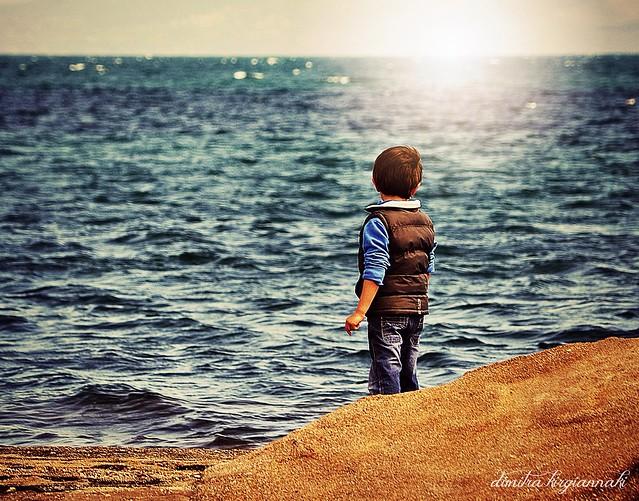 το αγόρι που ατένιζε το μέλλον...