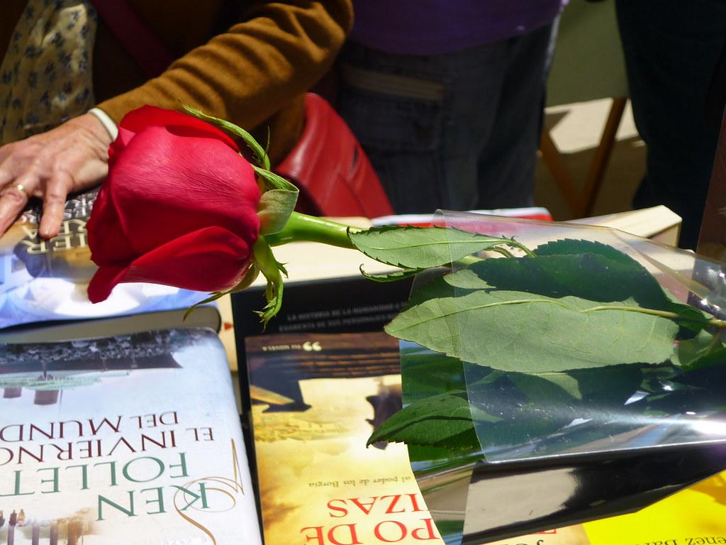 Sant Jordi 2013 (5) | 23 de Abril , día del libro , de la ro… | Flickr