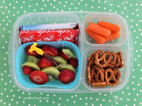 EasyLunchboxes fruit carrots pretzels bars school lunch | by anotherlunch.com