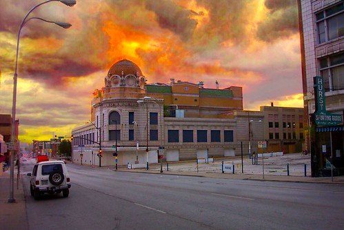 2003 city sunset cinema building art architecture french mainstreet closed theater theatre move mo missouri empire restored kansas kc amc baroque neoclassical preservation designed rapp beaux rko nrhp nationalregisterhistoricalplaces onasill architectics