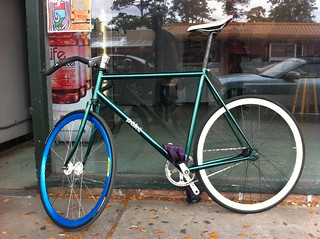 Bike of the Day {BotD} ::: Pake - fixed gear, fast.