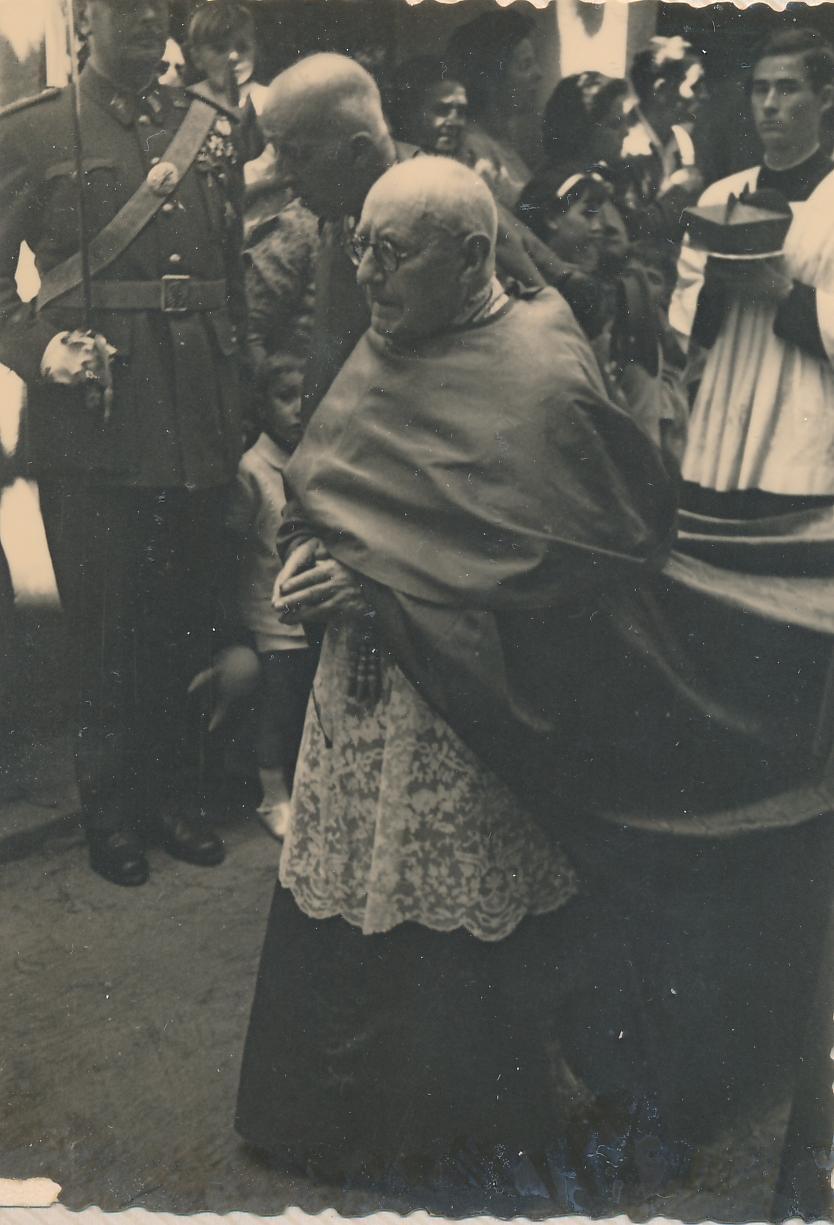 Enrique Plá y Deniel en la Procesión del Corpus Christi en Toledo en 1962. Fotografía de Julián C.T.