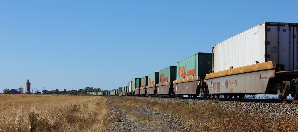 NR110 and NR88 round the bend into the once thriving railway town of Serviceton by bukk05