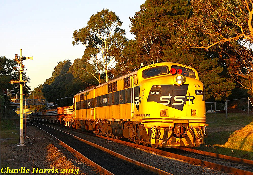 SSR GM10 GM22 on 2207N Mittagong sm on Wednesday 24-04-2013 by Charlie Harris