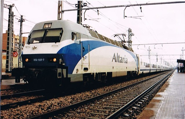 Locomotora eléctrica RENFE serie 252.