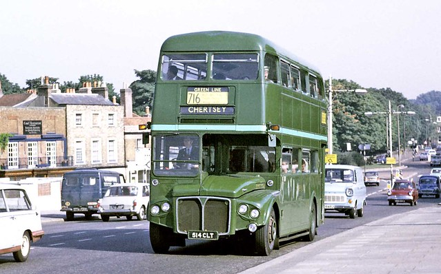 London Country/Green Line: RMC1514 (514CLT) from Stevenage Garage on Hampton Court Bridge on Route 716