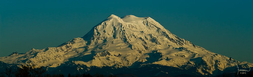 blue snow mountains canon landscape rainier washingtonstate majestic mtrainier t4i 1riverat matthewreichel