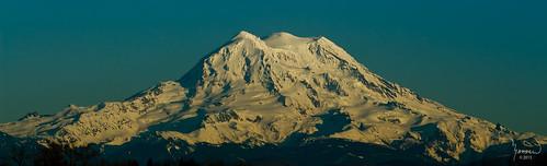 blue snow mountains canon landscape rainier washingtonstate majestic mtrainier t4i 1riverat matthewreichel