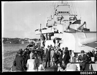 Crowds inspect HMAS AUSTRALIA II at Circular Quay, Sydney