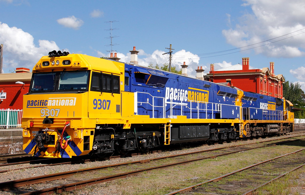 9307 at Moss Vale by Robert Cook
