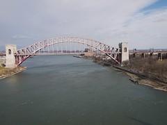 日, 2013-01-20 13:00 - 強風のTriboro Bridge