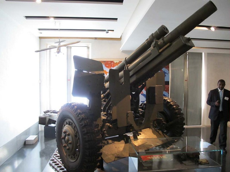 US 105mm M2A2 Field Gun 1