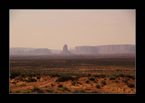 arizona usa mist monument fog utah desert valley dust monumentvalley monolith