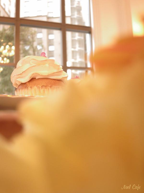 ボケの向こうにスイーツ by Noël Café