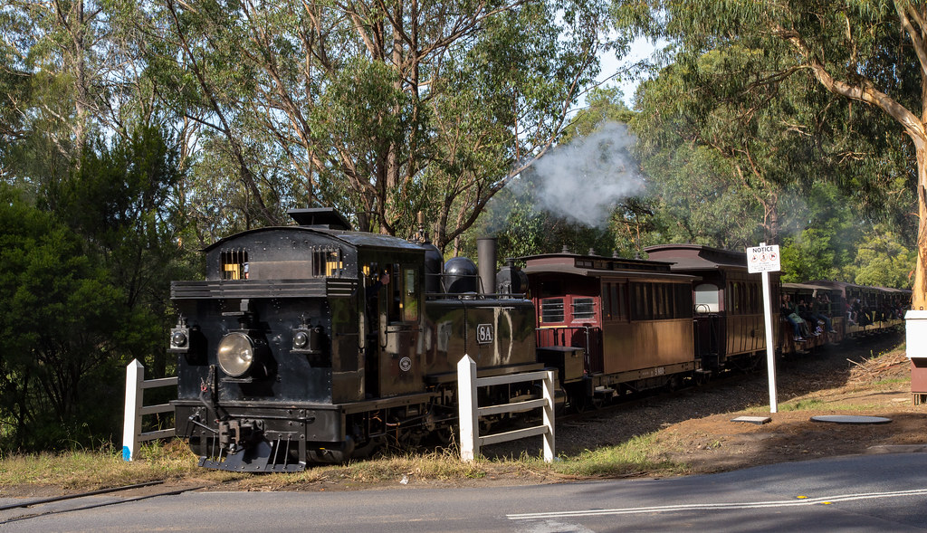 8A crossing Belgrave - Gembrook road by michaelgreenhill