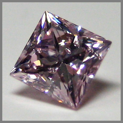 Natural Fancy Purple-Pink Diamond, princess, N°14-56/1, 0.27 ct