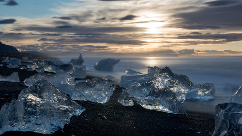 2016 oru iceland jökulsárlón jökulsárlónglacierlagoon widescreen 169 ice le longexposure sunrise iceberg icefloat melc landscape sea ocean waves water motion clouds sun reflection refraction