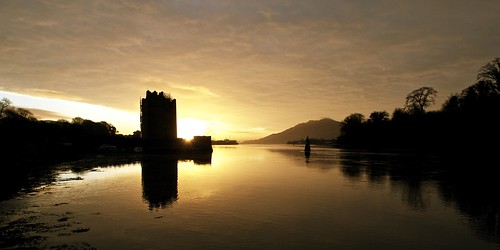uk ireland castle water silhouette stone sunrise lough unitedkingdom fort citadel toll northernireland fortress carlingford countydown carlingfordlough warrenpoint newry narrowwatercastle