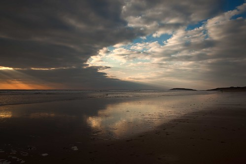 llangennith beach gower burry holm heart shape cloud reflection sea waves sand sunset yahoo:yourpictures=reflectionsv2 cloudy day
