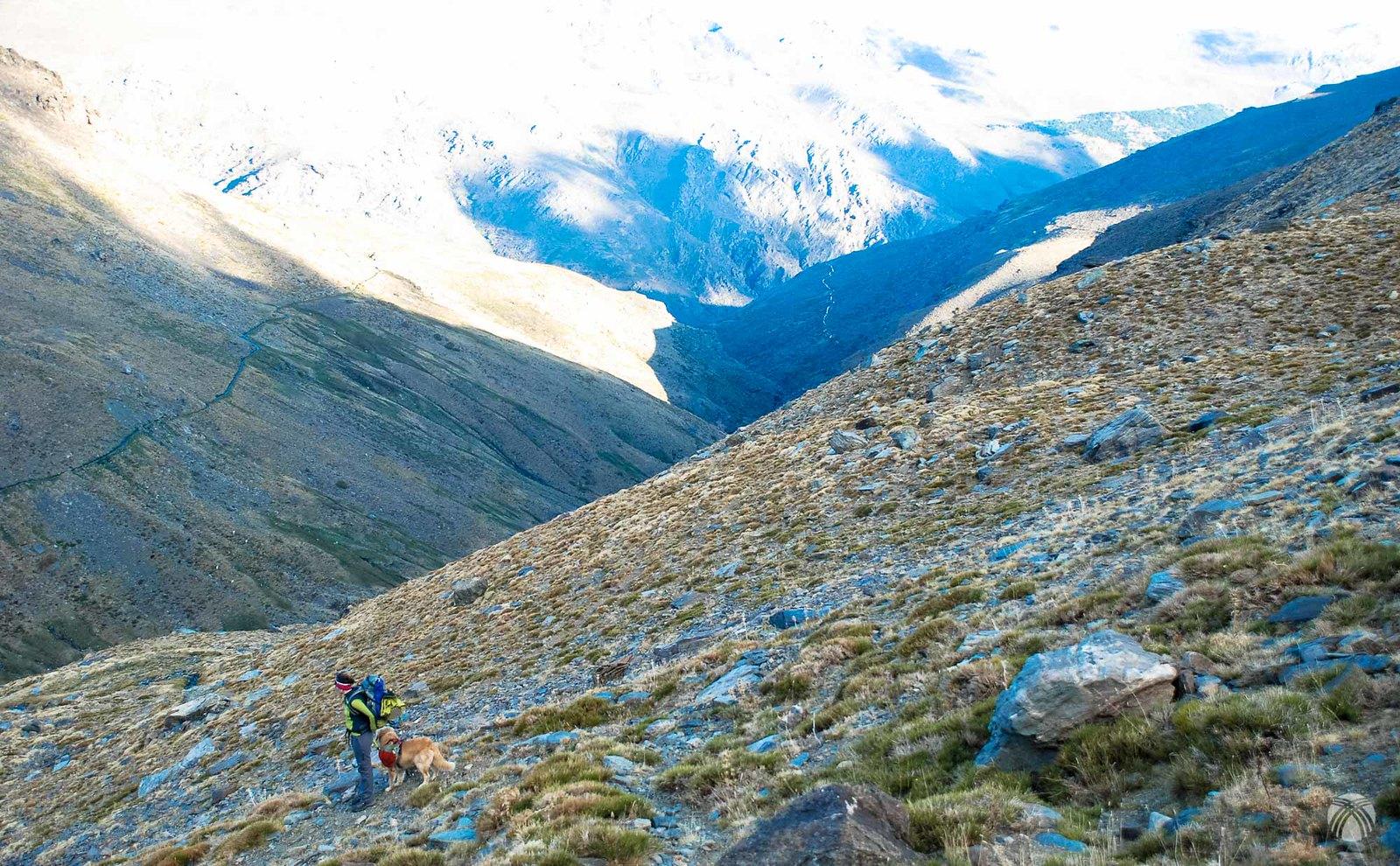 Descenso por la Reguera de los Caños hacia el río Juntillas
