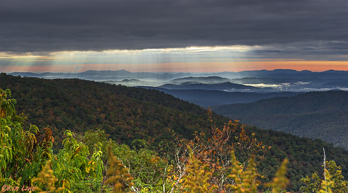 nikond800 nikon d800 nikkor fullframe brp blueridgeparkway blueridgemountains northcarolina sunrise sunrays wnc westernnorthcarolina blue ridge mountains nature forest trees clouds rays nikonflickrtrophy nikonflickraward