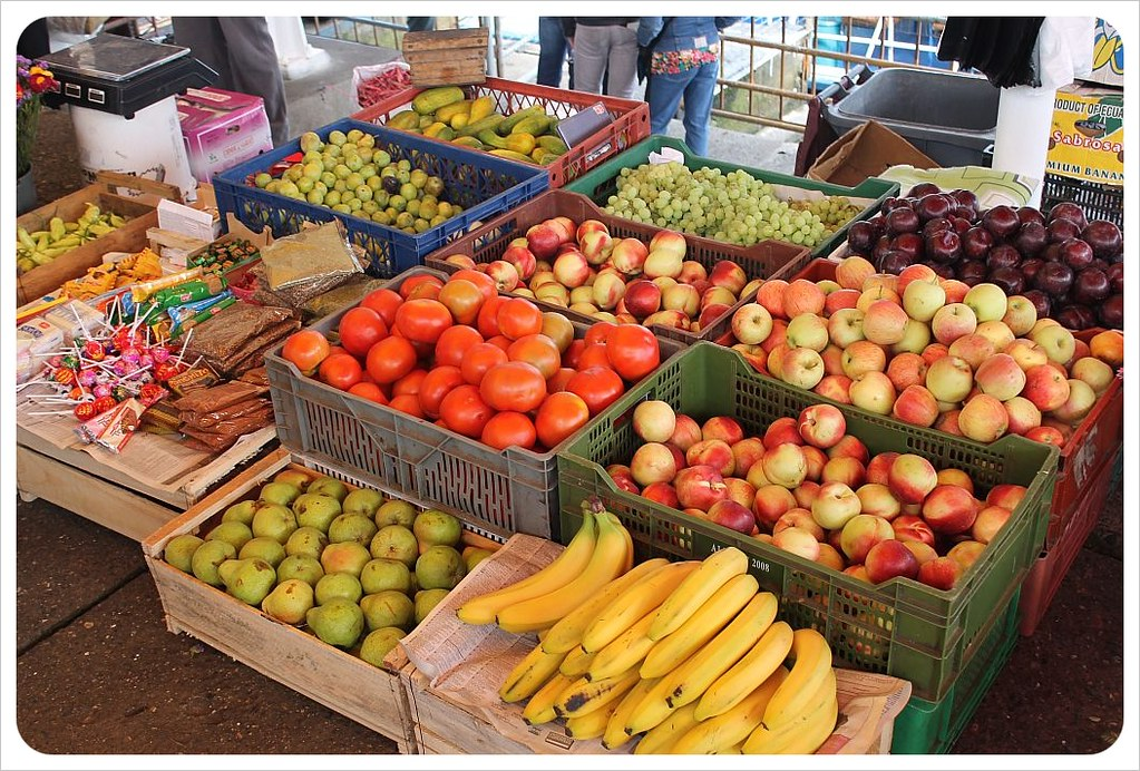 valdivia market fruits