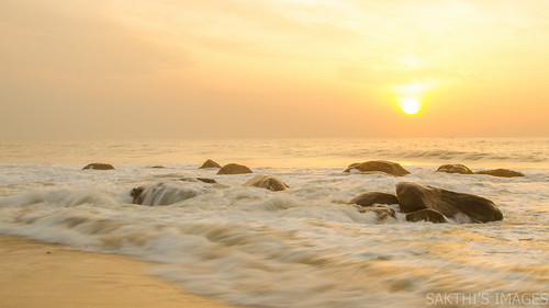 cwc540 beach kovalam sun sand sunrise serene morning bright rocks chennaiweekendclickers cwc