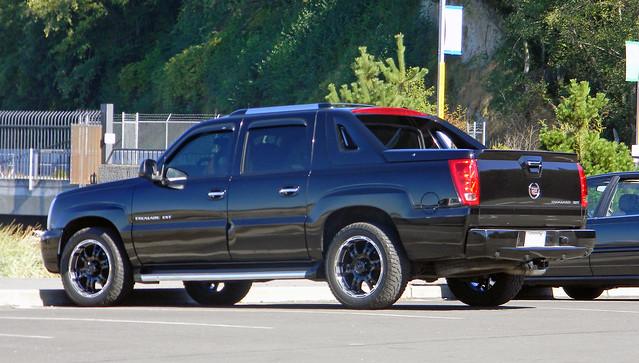 Cadillac Escalade EXT (AJM CCUSA)